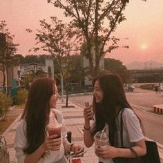 korean lesbians | Tumblr Ulzzang Korean Girl, Ulzzang Couple, Korean Girlfriend, Friend Tumblr, Korean Best Friends, Bff Girls, Girl Friendship, Girl Couple, Korean Aesthetic