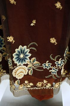 Dress Date: 1805–10 Culture: French Medium: silk Dimensions: Length at CB: 53 3/4 in. (136.5 cm)