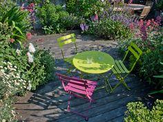 Du mobilier de jardin coloré