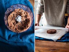 Nepečený tříbarevný bezlepkový dort | P&G foodies Doughnut, Foodies, Desserts, Tailgate Desserts, Deserts, Postres, Dessert, Plated Desserts