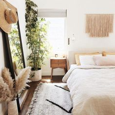 pampas grass in Boho bedroom + simple bedroom idea pampasgrass bedroom homedecorproducts 617556167635689165 Dream Bedroom, Home Decor Bedroom, Bedroom Ideas, Bedroom Designs, Bedroom Yellow, Bedroom Neutral, Bedroom Plants, Moroccan Bedroom Decor, White Rustic Bedroom