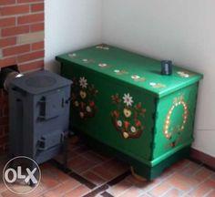 Ręcznie malowana drewniana skrzynia na kółkach Adamów-Wieś - image 1