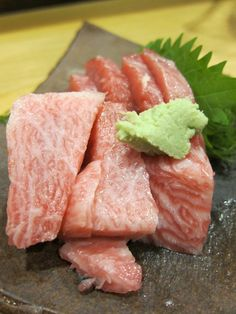 Pin by Limi Hamada on ニッポンのごちそう Sushi Recipes, Asian Recipes, Gourmet Recipes, Real Food Recipes, Yummy Food, Sushi Burger, My Sushi, Japanese Sashimi, Japanese Food