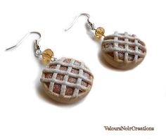 Earrings sweet cake Neapolitan pastiera polymer clay , by Velours Noir Crèations, 8,00 € su misshobby.com