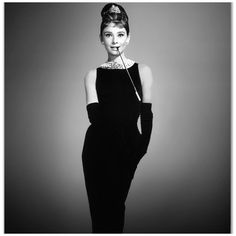 Внучка Одри Хепберн снялась топлесс для гламурного журнала - ФОТО
