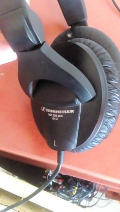 SENNHEISER HD 280 PRO 64 Headphones Headphones, Ear Phones