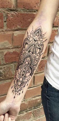 Geometric Mandala Forearm Tattoo Ideas for Women - Lace Mandala Lotus Black Arm Sleeve Tat - ideas del tatuaje de la manga del brazo del antebrazo del loto para las mujeres chicas - www.MyBodArt.com