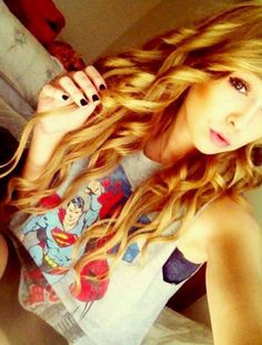 Acacia Brinley - Can I have her hair and face please?