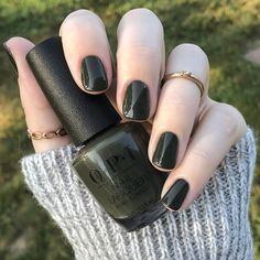 If you love bold fall colors, you should check out these gorgeous fall nail colors from OPI. Bold reds, deep purples and more at your fingertips! Opi Nail Polish Colors, Green Nail Polish, Fall Nail Colors, Opi Nails, Opi Colors, Gel Polish, Dark Green Nails, Dark Nails, Dark Color Nails