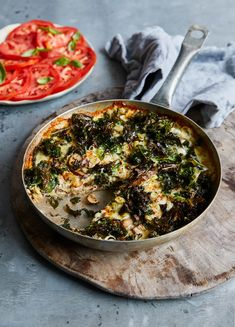 How to make Jamie Oliver's Mighty Mushroom & Kale Frittata with Super-Fresh Tomato Salad. This and more healthier, easier lunch recipes on our website. Whole Food Recipes, Cooking Recipes, Frugal Recipes, Vegetarian Recipes, Lunch Recipes, Meal Recipes, Chicken Recipes, Kale Frittata, Chicken Meal Prep