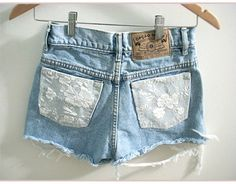 denim and lace. I'd do this on Capri's or jeans. Denim Cutoffs, Jean Shorts, Denim And Lace, Lace Jeans, Diy Lace Shorts, Vestidos Polo, Diy Fashion, Ideias Fashion, Fashion Shorts