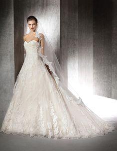 ZURANA - Brautkleid im Prinzessin-Stil aus Spitze   St. Patrick
