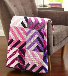 Free Pattern from allpeoplequilt, love the combination of pink/purple/black/white