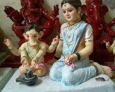 Ganapati and Parvati Shiva Parvati Images, Durga Images, Ganesh Images, Ganesha Pictures, Shiva Shakti, Jai Ganesh, Ganesh Idol, Shree Ganesh, Ganesh Chaturthi Images