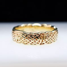 Vintage 14k Yellow Gold Knot Work Band Ring - Size 6