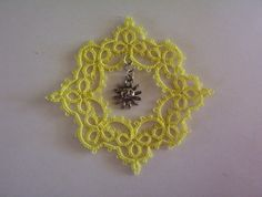 suncatcher tatted Christmas ornament lace suncatcher by MamaTats
