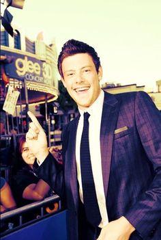 Rip Finn ): he was found dead in his hotel room Cory Glee, Glee Cory Monteith, Lea And Cory, Glee Fashion, Finn Hudson, American Series, Glee Cast, Lea Michele, Orange Is The New Black