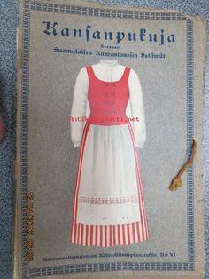 Kansanpukuja, koonneet Suomalaisen Kansantanssin Ystävät. Kuvassa tuusulalainen puku. On the cover a dress from Tuusula.