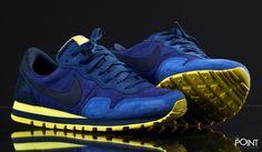 Zapatillas Nike Air Pegasus 83 Azul Amarillo, comenzamos a recibir los modelos de #zapatillasretrorunning de la marca #Nike para esta colección #OtoñoInvierno2015, esta vez os presentamos el modelo de zapatillas #NikeAirPegasus83 confeccionado en piel y presentado en un colorway azul y amarillo muy llamativo, visita nuestra #tiendaonline de #sneakers #ThePoint y hazte con ellas http://www.thepoint.es/es/zapatillas-nike/1288-zapatillas-hombre-nike-air-pegasus-83-azul-amarillo.html