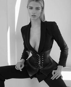 Modelka Callista nago