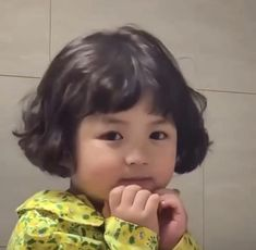 Cute Little Baby Girl, Cute Baby Girl Pictures, Baby Girl Images, My Baby Girl, Cute Asian Babies, Korean Babies, Asian Kids, Cute Funny Baby Videos, Cute Funny Babies