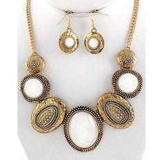 Antique Gold White Opal Iridescent Acrylic Elegant Costume Jewelry Necklace Set $20.99