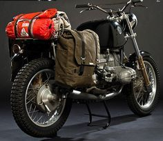 Harley Davidson Blackline Yamaha Cafe Racer by Ugly Motorbikes BMW by Crowe Customs cafe racer Honda Blitz Motorcycles, Cool Motorcycles, Vintage Motorcycles, Indian Motorcycles, Motos Bmw, Bmw Scrambler, Yamaha Sr400, Bmw Boxer, Custom Bmw