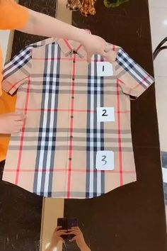 Diy Clothes Life Hacks, Diy Clothes And Shoes, Diy Clothes Videos, Clothing Hacks, Fold Clothes, Baby Clothes Storage, Mens Clothing Styles, Simple Life Hacks, Useful Life Hacks