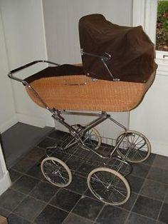 Retro antieke rieten kinderwagen, wagen kan ook als wiegje!