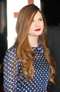 Bonnie Wright's COLOR