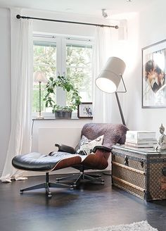 Eames lounge chair inspiration.