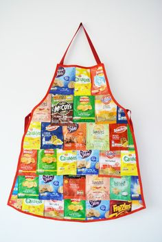 DIY Recycled Crisp Packet Apron - save up empty packets and create a unique a[ron - great conversation starter! DIY Recycled Crisp Packet Apron - save up empty packets and create a unique a[ron - great conversation starter! Recycled Art Projects, Upcycled Crafts, Sewing Projects, Recycling Projects, Plastic Bag Crafts, Recycled Plastic Bags, Duct Tape Crafts, Recycler Diy, Fused Plastic