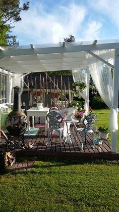 Paviljonki Koti, Garden Pictures, Garden Ideas, Pergola, Table Decorations, Outdoor Decor, Furniture, Home Decor, Decoration Home