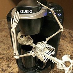 Because it's Halloween and it's Monday! #TheVintagePunk #halloween #coffee #mondays