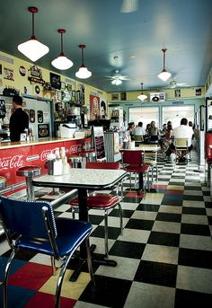 50's and 60's Diner by Shannon Lepere, via Flickr
