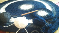 Crochet Rug White gery and navy Richardscreations.wordpress.com Follow me for more