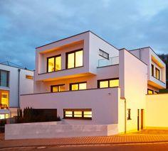 Großer Wurf – Moderne Bauhaus-Architektur von OKAL | Haus & Bau | zuhause3.de