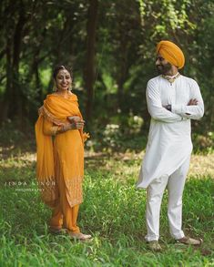 The Love Club, Punjabi Couple, Indian Suits, Couple Pictures, Turban, Couples, Photography, Fashion, Moda