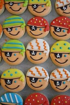@Jill Lenhard  pirate boys cookies for Sam! So cute!