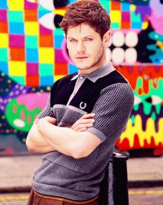 He would so work as Will Herondale!) He's got the Welsh down! And the dark hair and amazing eyes Iwan Rheon, Will Herondale, Intelligent Women, Cute Actors, Young Actors, Misfits, Attractive Men, Film Movie, Captain Hook