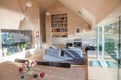 Nordøst på Nesøya i  Asker, i Øverbergveien med utsikt over fjorden  «Villa Poulsson&Lærum»// arkitekt Knut Hjeltnes