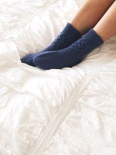 Cozy Mom's Hugs socks / Instagram giveaway!