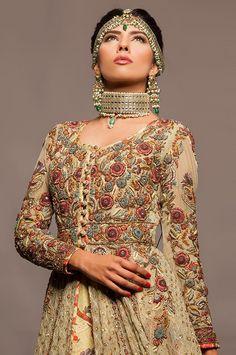 Designer : Fahad Hassan  Statement necklace in Kundan Gold / Maatha Patti (Head wear).