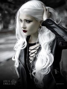 A page were you can see that goth can still mean beautiful . A place to be Goth and proud. Gothic Girls, Hot Goth Girls, Dark Beauty, Goth Beauty, Dark Fashion, Gothic Fashion, Steam Punk, Darkness Girl, Gray Hair Growing Out