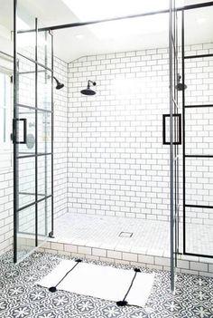 Badkamer vormgeving: zwart wit