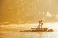 pre wedding photo from Pang Ung reservoir, Pai, Mae Hong Son province in Thailand.   photography by www.lovedezign.com