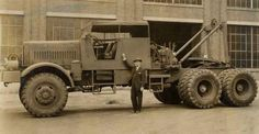 Knuckey Prototype.The Knuckney Truck Company of San Francisco, in response to a War Department request, designed a huge tank transporter, dubbed the M-26, in 1943. Weight 22 tons