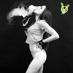 Alex ripping on her Doge #goodcleanvapes #doyouevenvapebro #doge #variant #girlswhovape #vapegirls #dripgirls