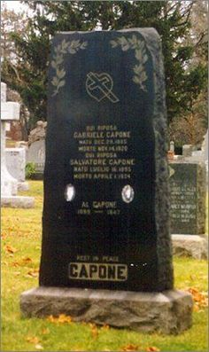 "Alphonse ""Al"" Capone [original burial site] - Organized Crime Figure, Chicago Gangster. Cemetery Monuments, Cemetery Headstones, Old Cemeteries, Cemetery Art, Graveyards, Mafia, Al Capone, Famous Tombstones, Famous Graves"