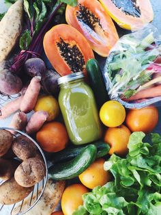 I Wellbeing. How To Go About Setting Your Daily Nutrition Goals. You are not the only one that goes down grocery aisles unsure of which foods are good for you and which aren't. Nutrition is a complicated subject, but it Raw Food Recipes, Healthy Recipes, Yummy Recipes, Healthy Snacks, Healthy Eating, Nutritious Meals, I Need Vitamin Sea, Eat Better, Snacks Saludables